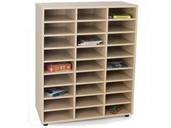 Mueble de 27 casillas fabricado en melamina de haya de 19 mm 90x40x112 cm